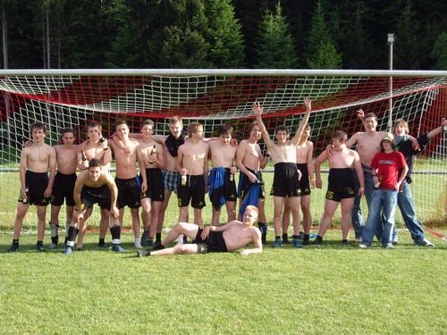 Die B-Junioren feiern ihre Meisterschaft